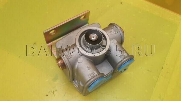 Кран тормозной R12 RL3518HC07 Daewoo Novus