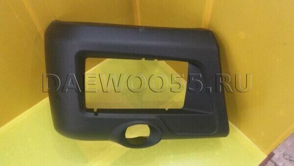 клык бампера Daewoo правый 36610-10110