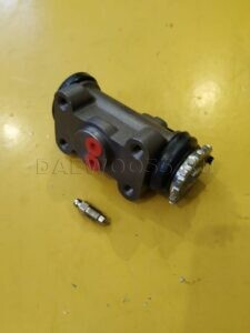 Цилиндр тормозной заднего колеса 58420-45201, 5842045201 Hyundai HD72_HD78