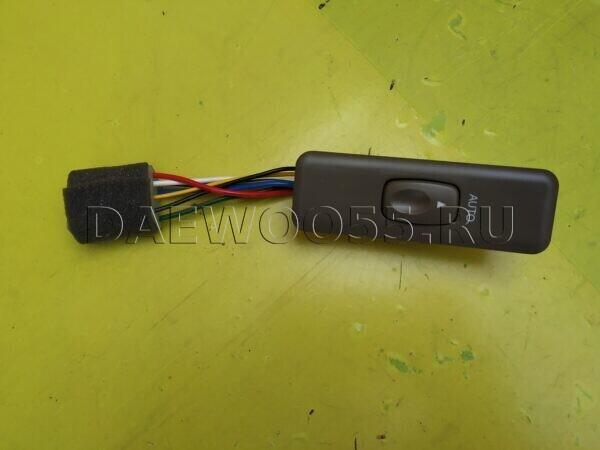 Кнопка стеклоподъёмника Daewoo Novus RH 38561-00070, 3856100070