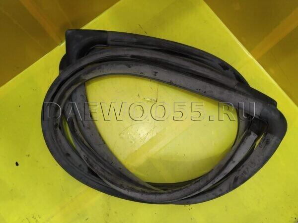Уплотнительная резинка лобового стекла Daewoo Novus 3754110010 3754110013